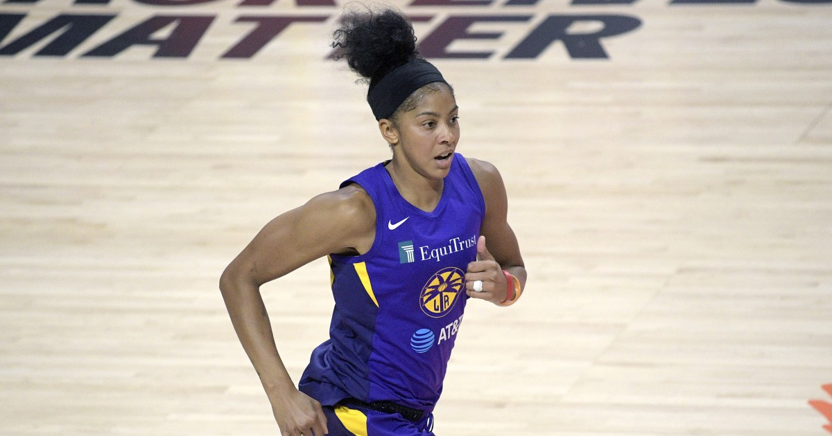 Candace Parker and Chelsea Gray lead the way in Sparks' win over Sky
