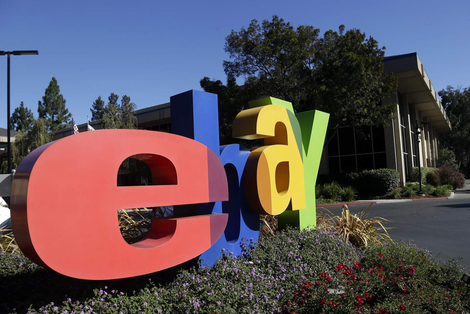 eBay workers who sent spiders to couple to plead guilty
