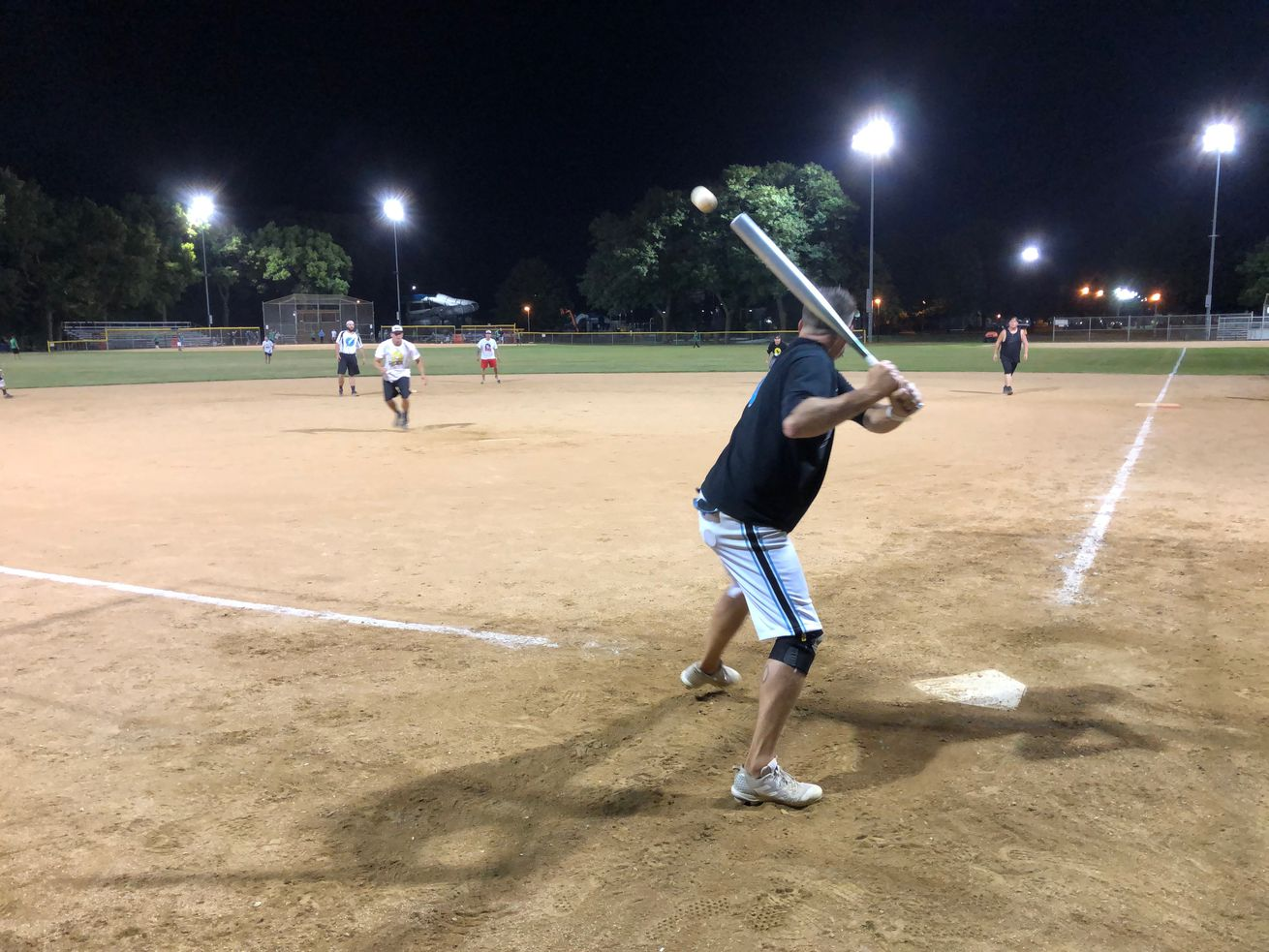 16-inch softball carries on in suburbs as pandemic shuts down park district leagues