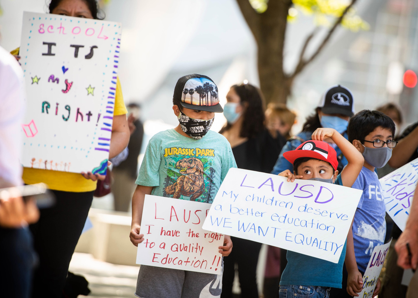 Parents sue LAUSD over distance learning plan