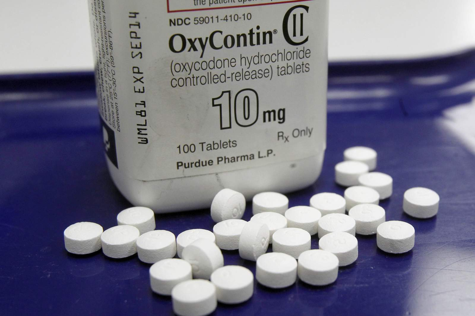 Experts: Revamped OxyContin hasn't curbed abuse, overdoses