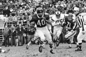 Gale Sayers's Balletic Runs Obscure Football's Brutal Endings