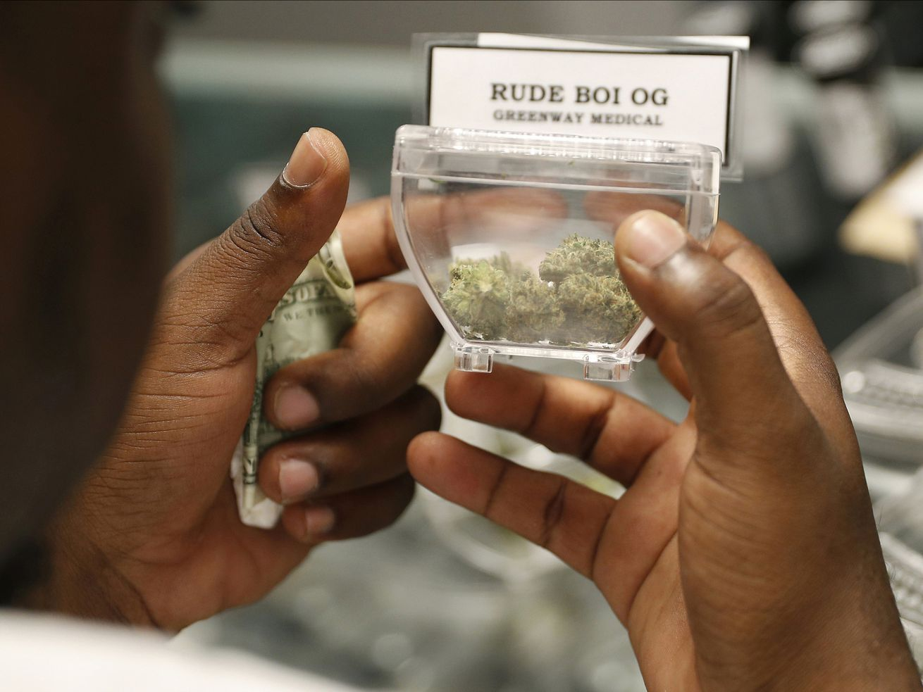 New marijuana shops need 'true social equity,' lawmakers say in pitching change to weed law