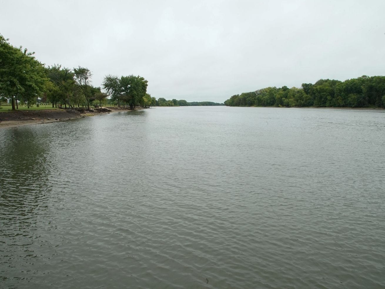 Illinois is ugly enough. Why make it worse with a new barge terminal on the Illinois River?