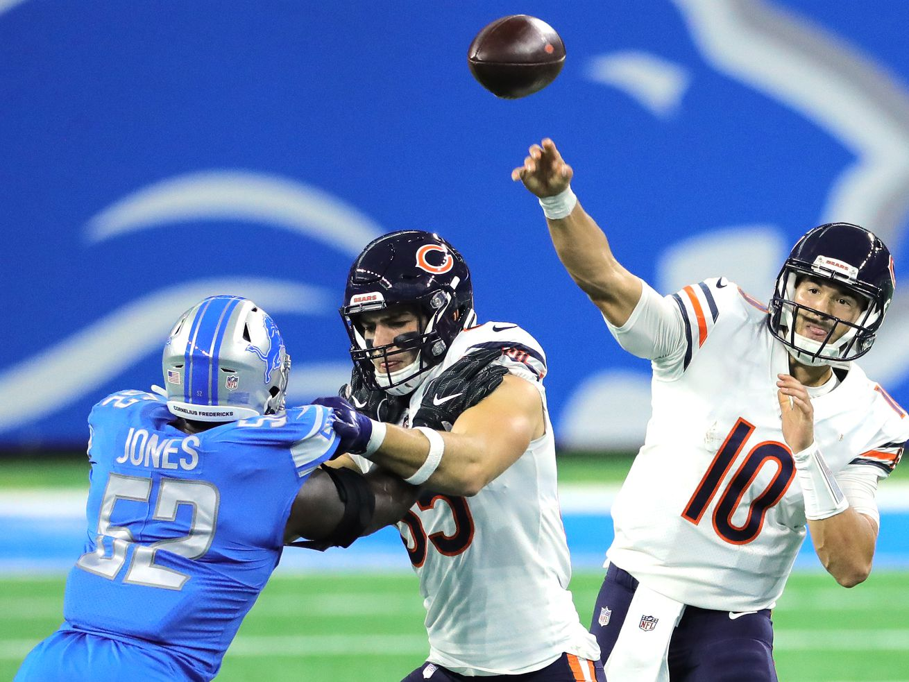 With no fans, Bears feeling at home on the road