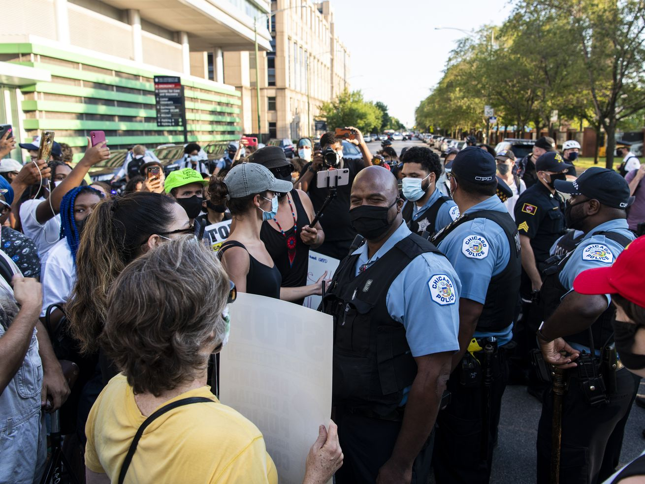 Mayoral allies back out of pro-police 'Back the Blue' rally