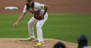 Will he pitch in wild card? Padres' Mike Clevinger dealing with elbow impingement