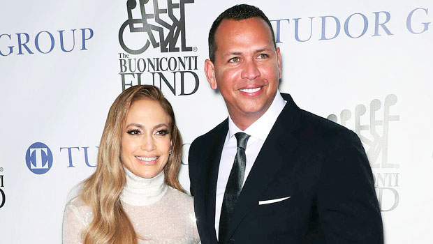 Jennifer Lopez Wishes 'Peace & Love' On Labor Day During Epic Family Photo With Alex Rodriguez & Their 4 Kids