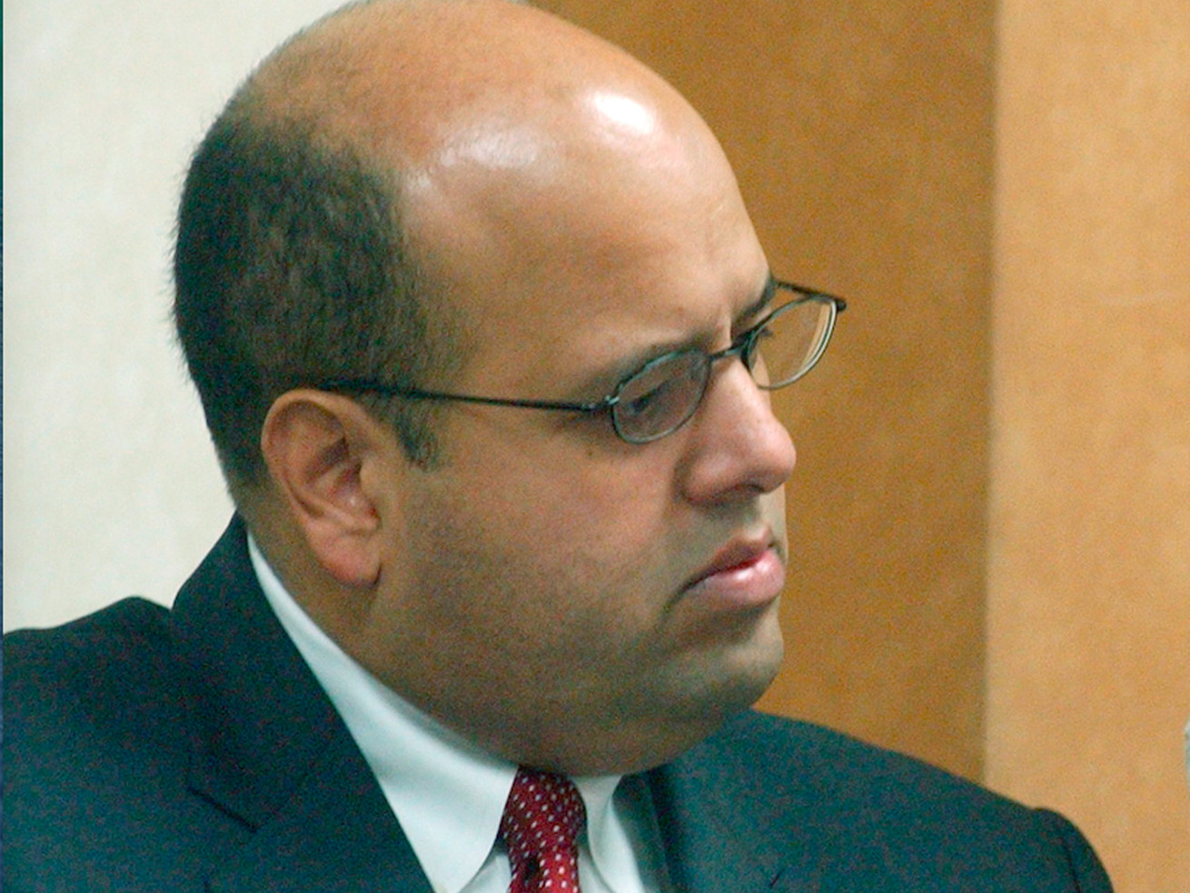 Ex-Daley operative Victor Reyes once again in the midst of a big political storm