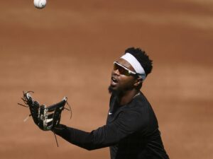 Eloy Jimenez' status for Game 1 of White Sox Wild Card series still uncertain