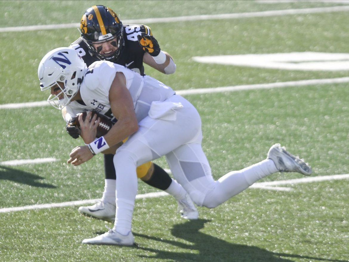 Northwestern wipes out 17-point deficit to beat Iowa