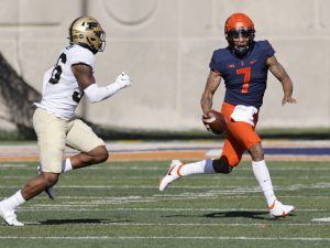 QB-depleted Illinois falls short in rally vs. Purdue