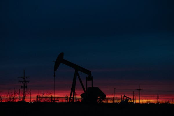 A Debate Pledge to 'Transition' From Oil Puts Climate at Center of Campaign Finale