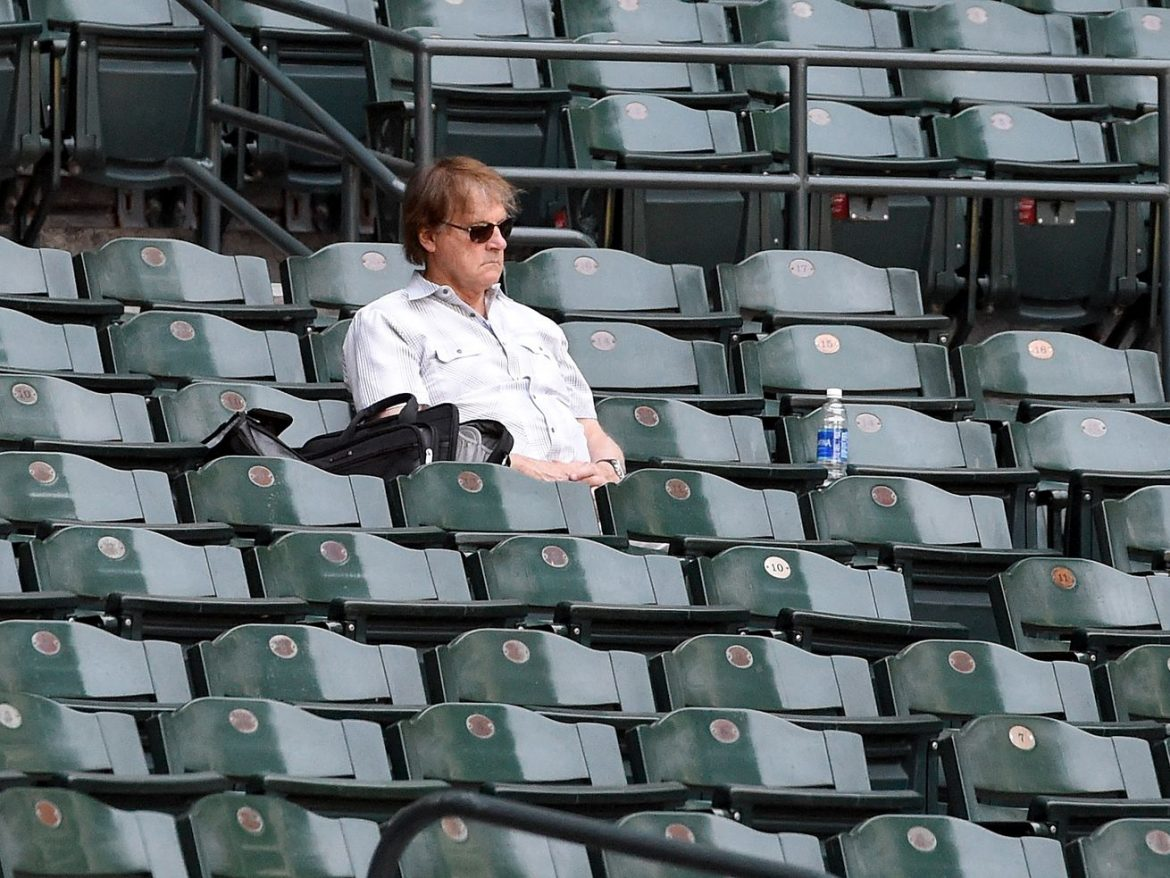 Tony La Russa hire would not be popular among White Sox fans