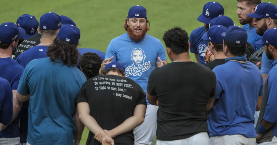 Dodger talk: Justin Turner and Mookie Betts address the team ahead of NLDS vs. Padres