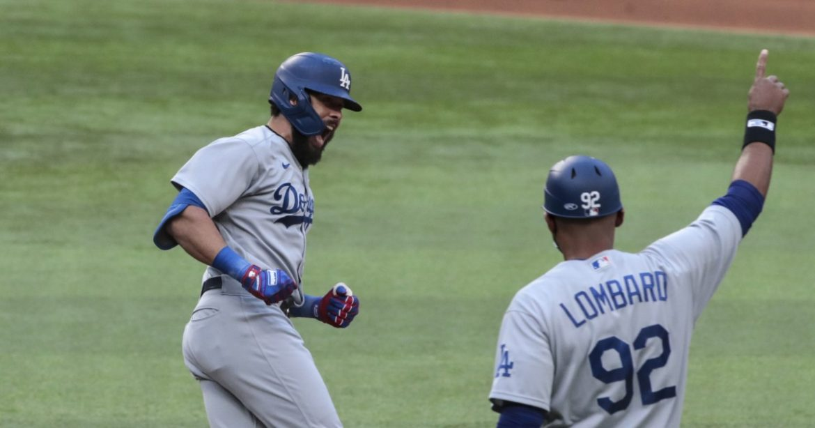 Left-handed hitters will fill middle of Dodgers' batting order in Game 4