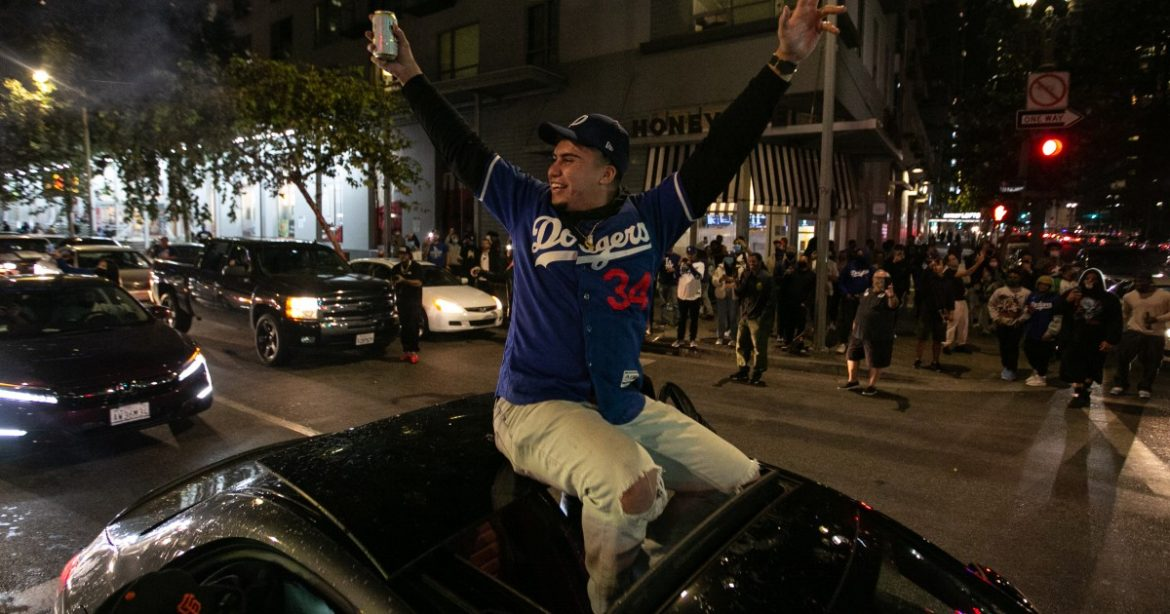 Watch: Dodgers fans celebrate the team's World Series title