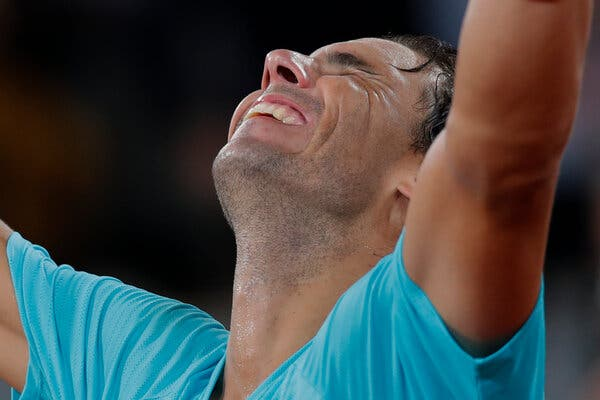 For Both Swiatek and Nadal, Staying 'In the Moment' at French Open Was Key