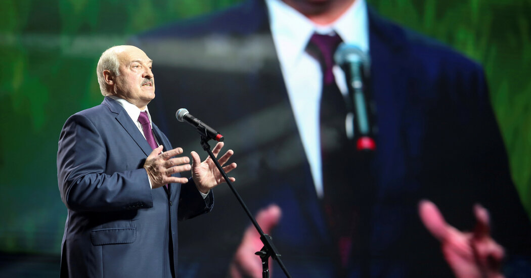 E.U. Agrees to Sanction Lukashenko, but Gives Him Time to Back Down