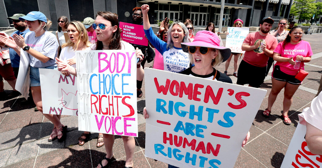 Federal Judge Strikes Down Waiting Period for Abortion in Tennessee