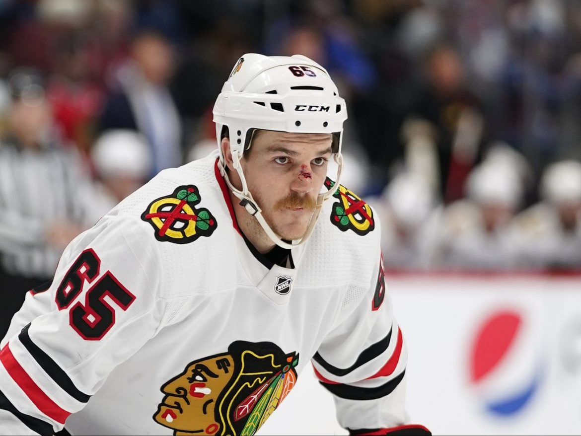 Brent Seabrook, Andrew Shaw, Zack Smith's uncertain injury statuses reduce Blackhawks' flexibility