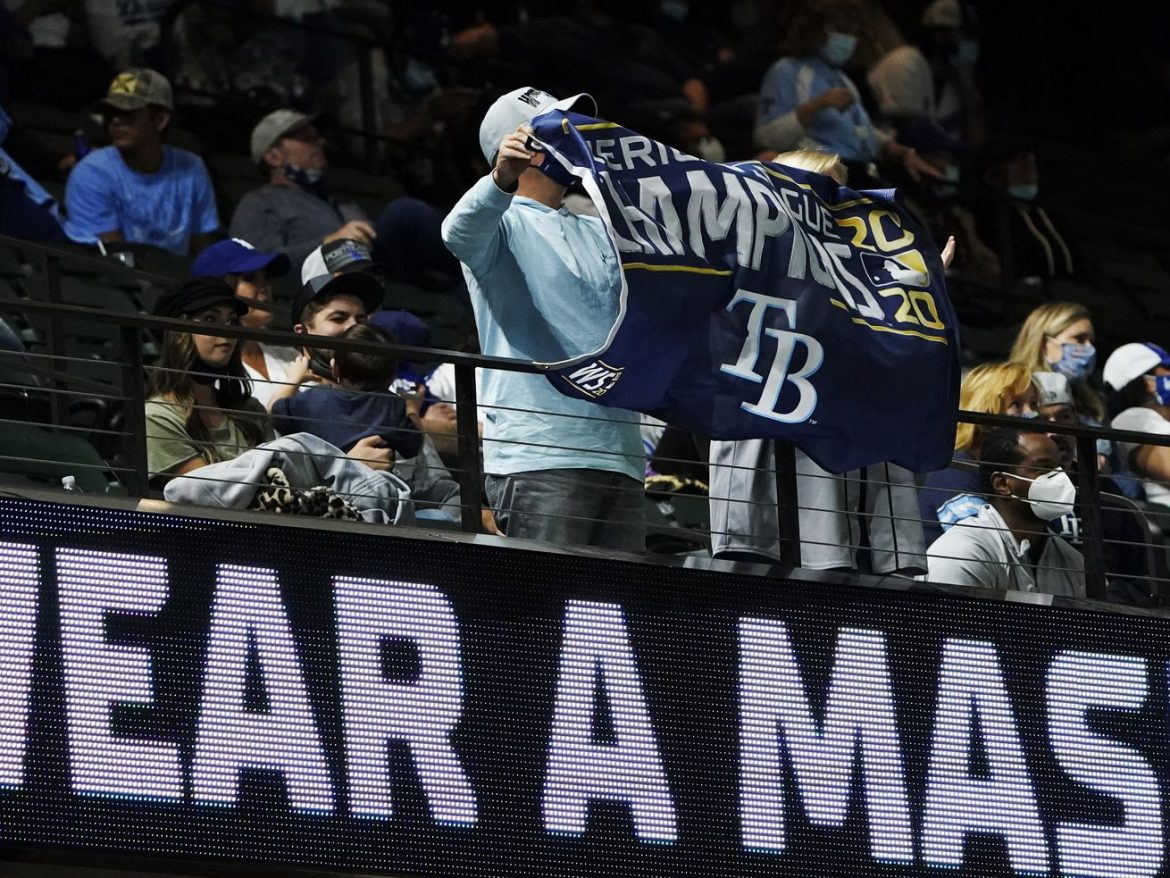 Rays, Dodgers grateful to have fans at neutral-site World Series