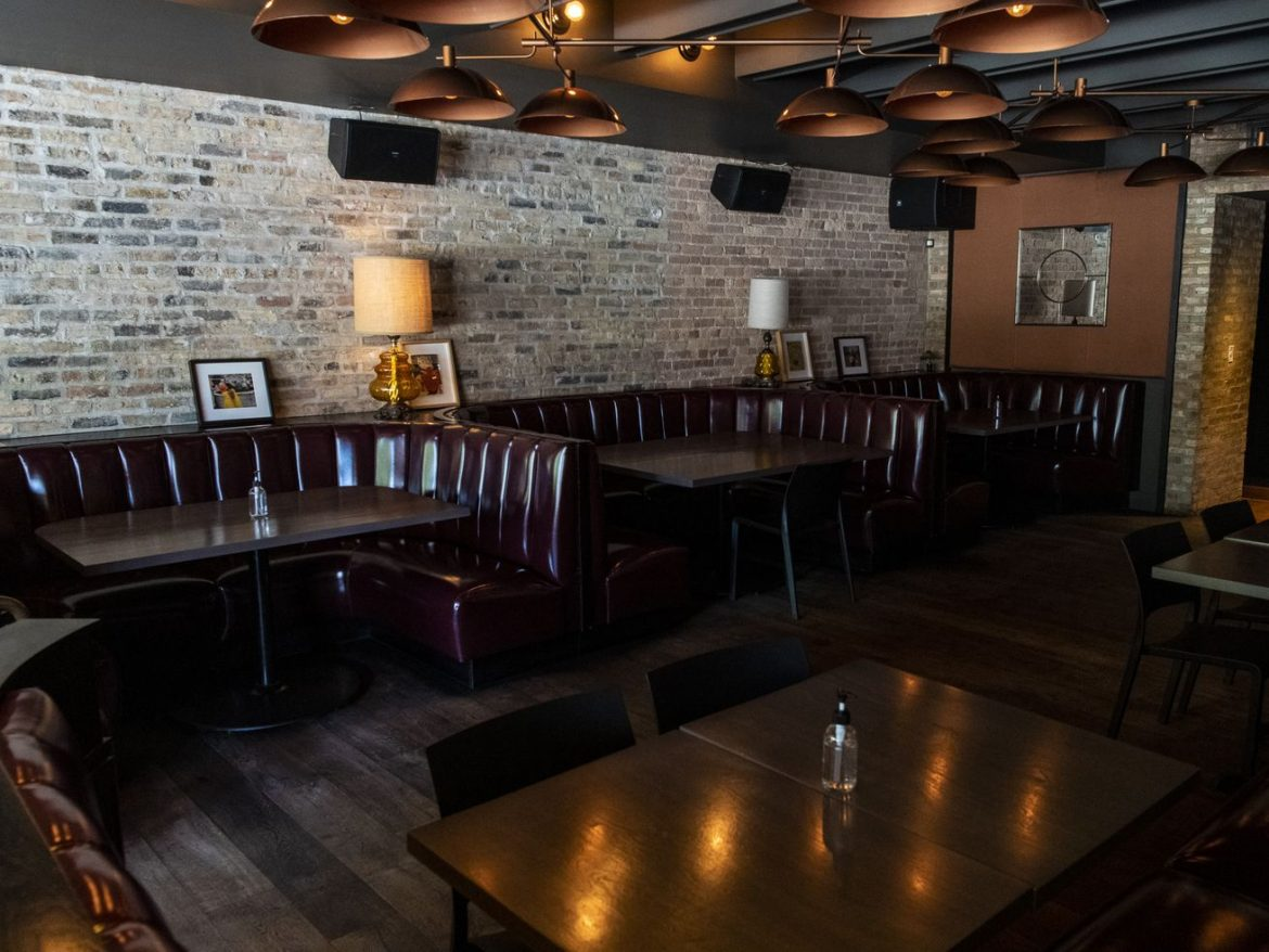 COVID-19 clamp down: Pritzker to nix indoor restaurant dining in south, western suburbs