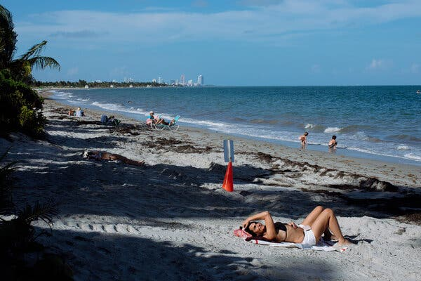 Florida Sees Signals of a Climate-Driven Housing Crisis