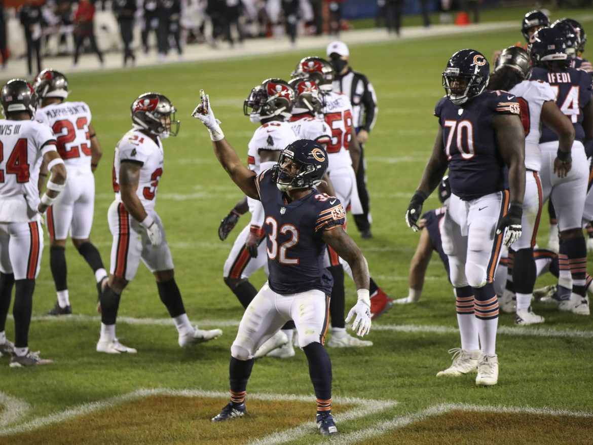 Bears show they're serious about this season in 20-19 win over Buccaneers