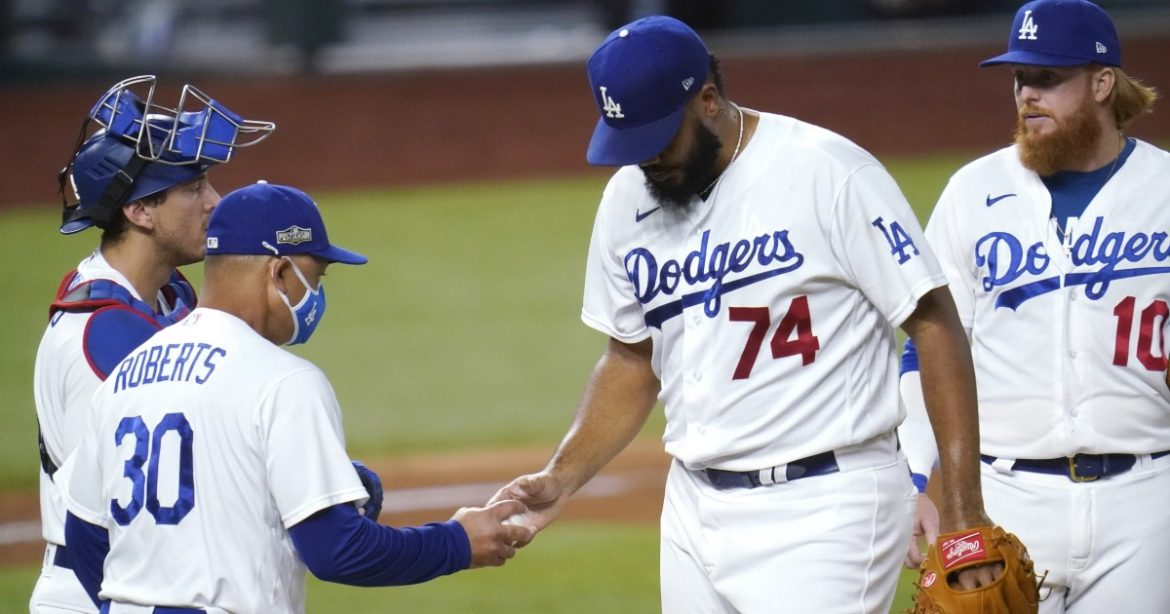 Dave Roberts isn't committing to ditching Kenley Jansen as Dodgers' closer