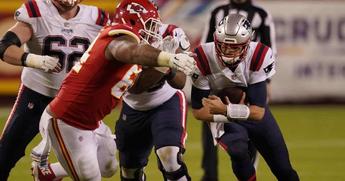 NFL: Chiefs lean on defense to beat Patriots in COVID-19-delayed game