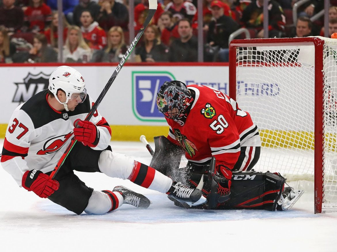 Corey Crawford signs contract with Devils, officially ending Blackhawks tenure
