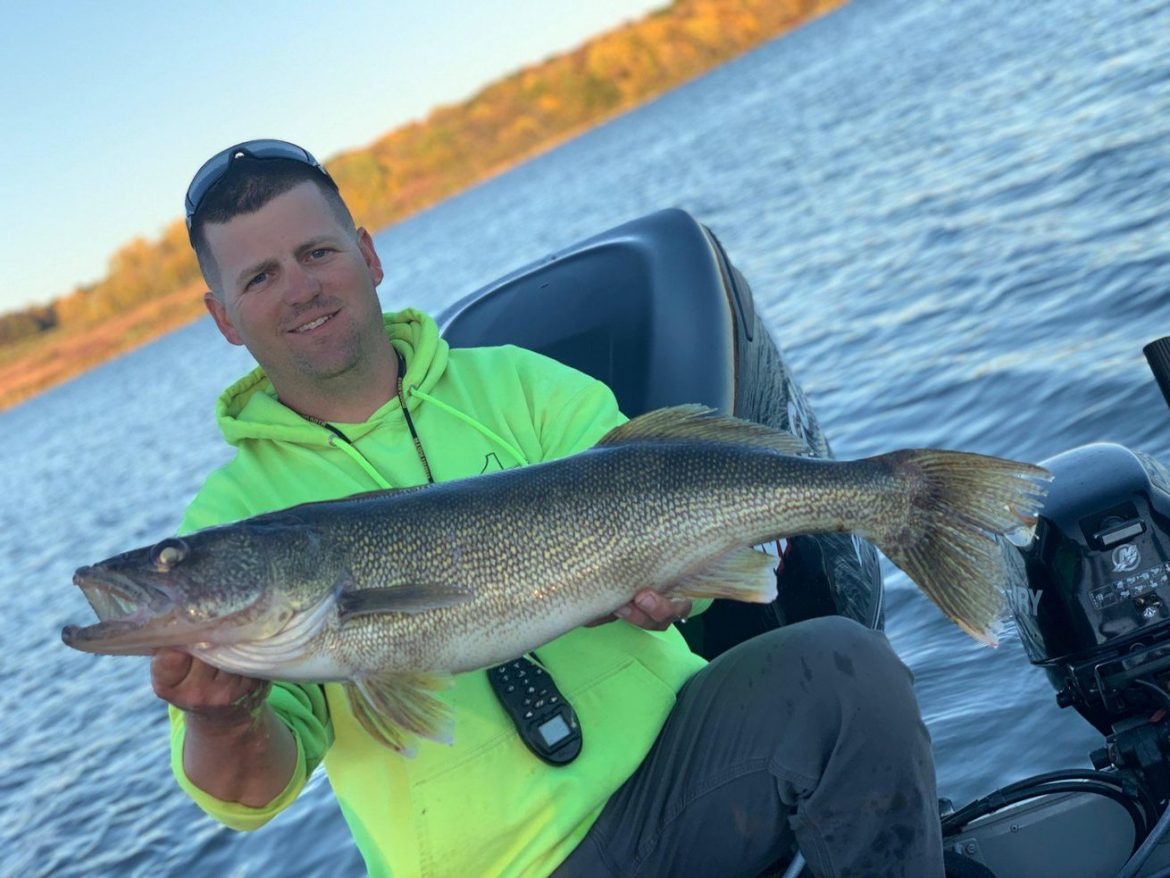 Really big walleye: Chase Rockstead catches Shabbona Lake record
