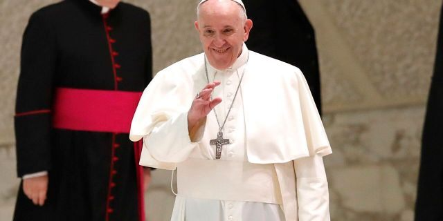 Pope Francis ends public audiences amid coronavirus surge in Italy