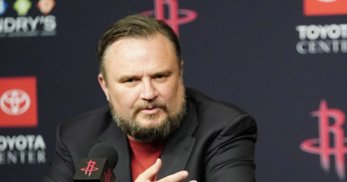 Rockets GM Daryl Morey is stepping down