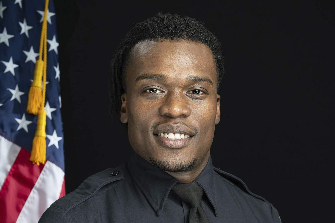 Chief: No reason to fire Wisconsin officer who killed teen