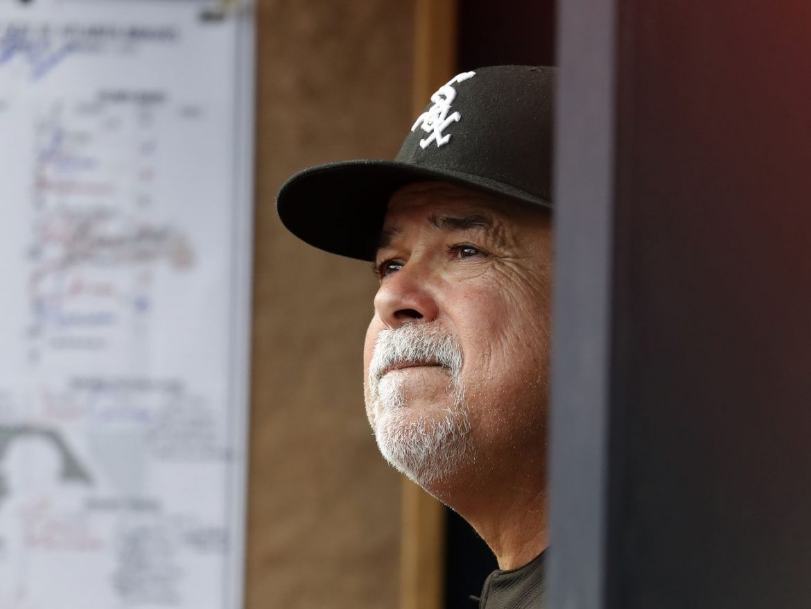 White Sox fire manager Rick Renteria and pitching coach Don Cooper