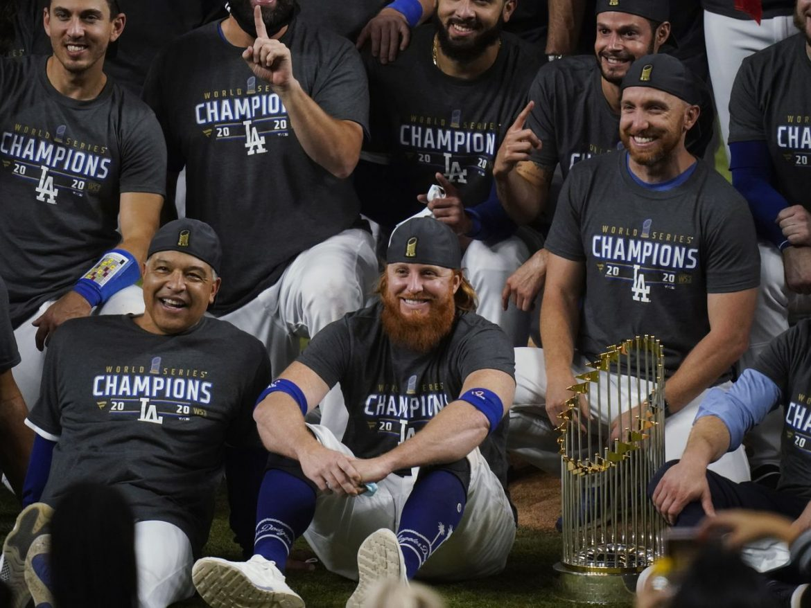 Commentary: MLB's season ends with galling breach of coronavirus protocol by Justin Turner
