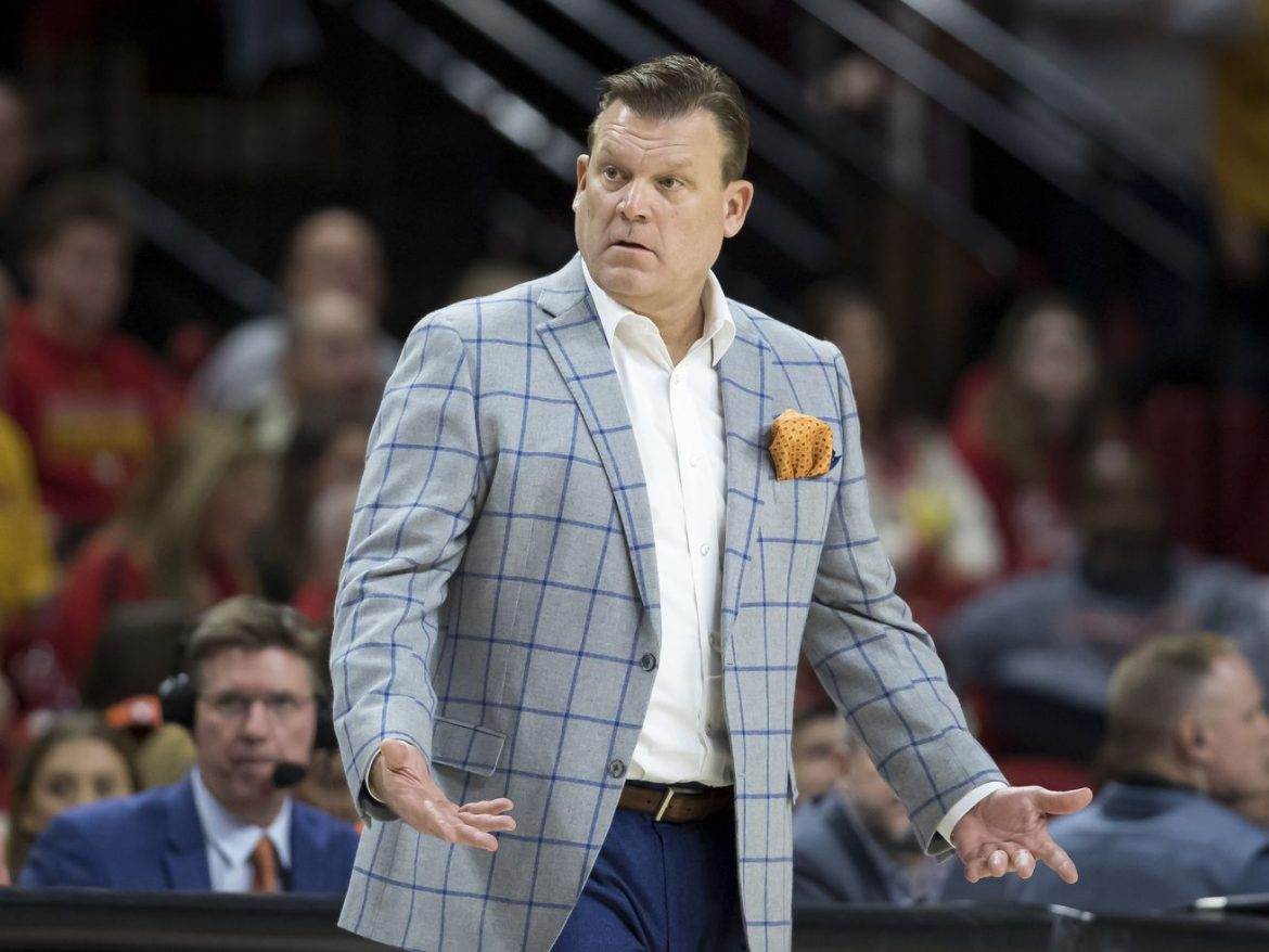 College basketball scheduling chaotic as beginning of season approaches