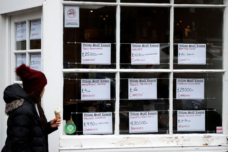 UK to spend 4 billion pounds to push long-term unemployed into work