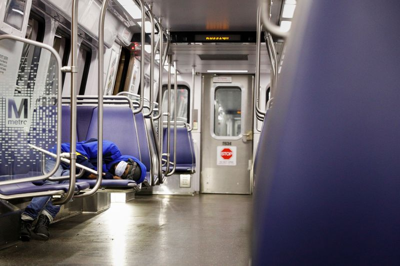 U.S. capital may end weekend subway service in 2021