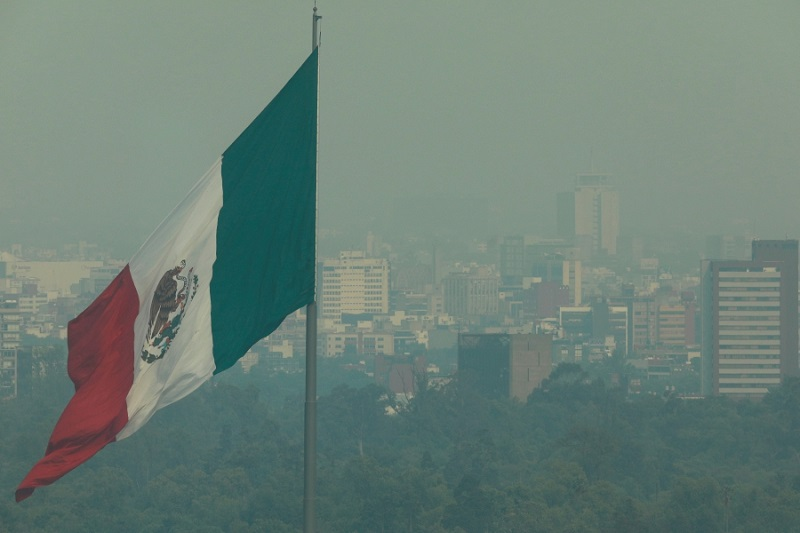 Mexico's Economy Climbs at Record Pace With Long Recovery Ahead