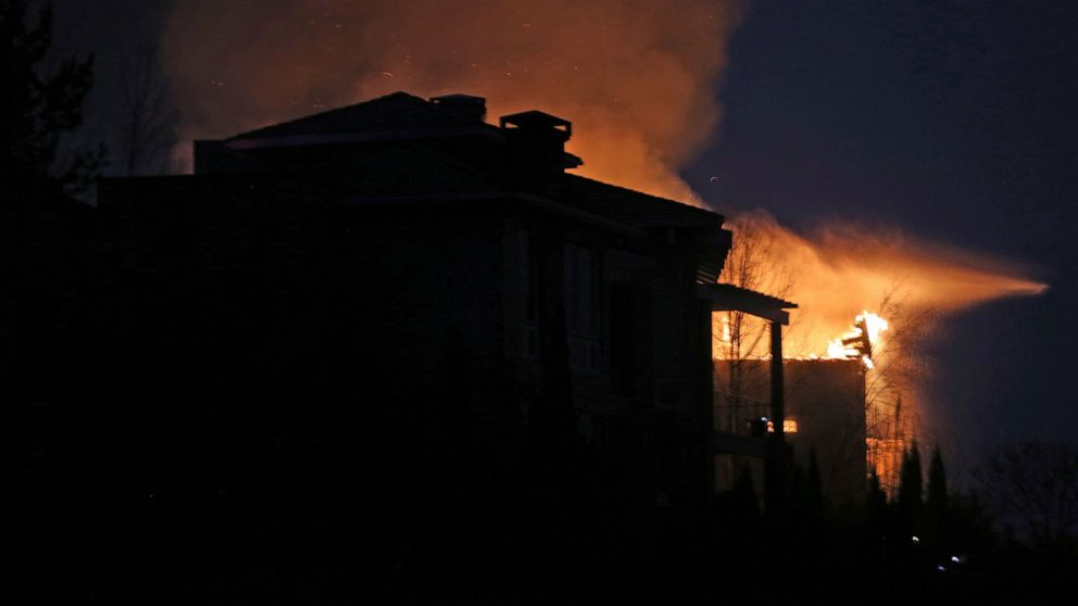 Wind in forecast raises fears after Nevada fire burns homes