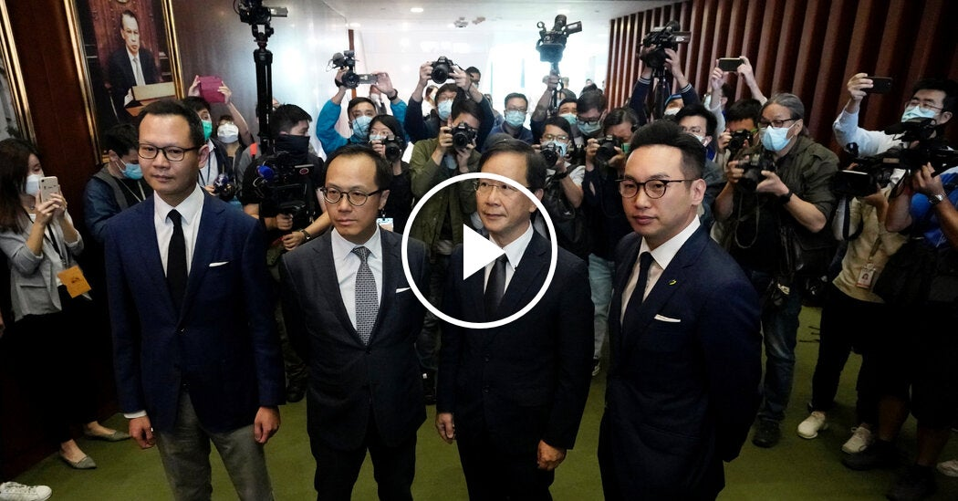 Hong Kong Pro-Democracy Lawmakers Vow to Resign