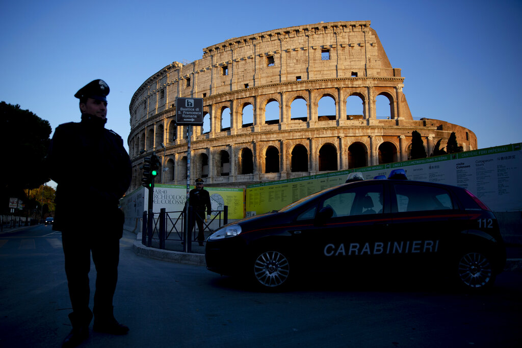 Tourist returns stolen Roman ruins, apologizes for being 'American a–hole'
