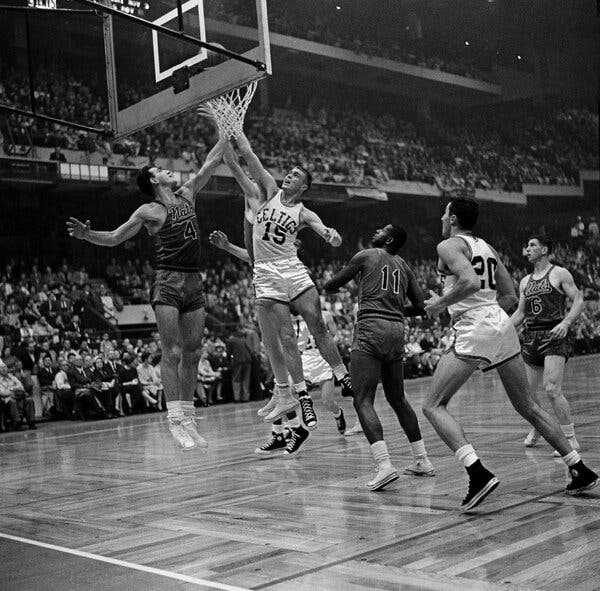 Tom Heinsohn, Champion Celtic as Player and Coach, Is Dead at 86