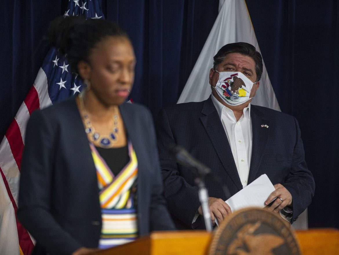 Home for the holidays? Facing 'COVID storm,' Pritzker says stay-at-home order 'seems like where we are heading'