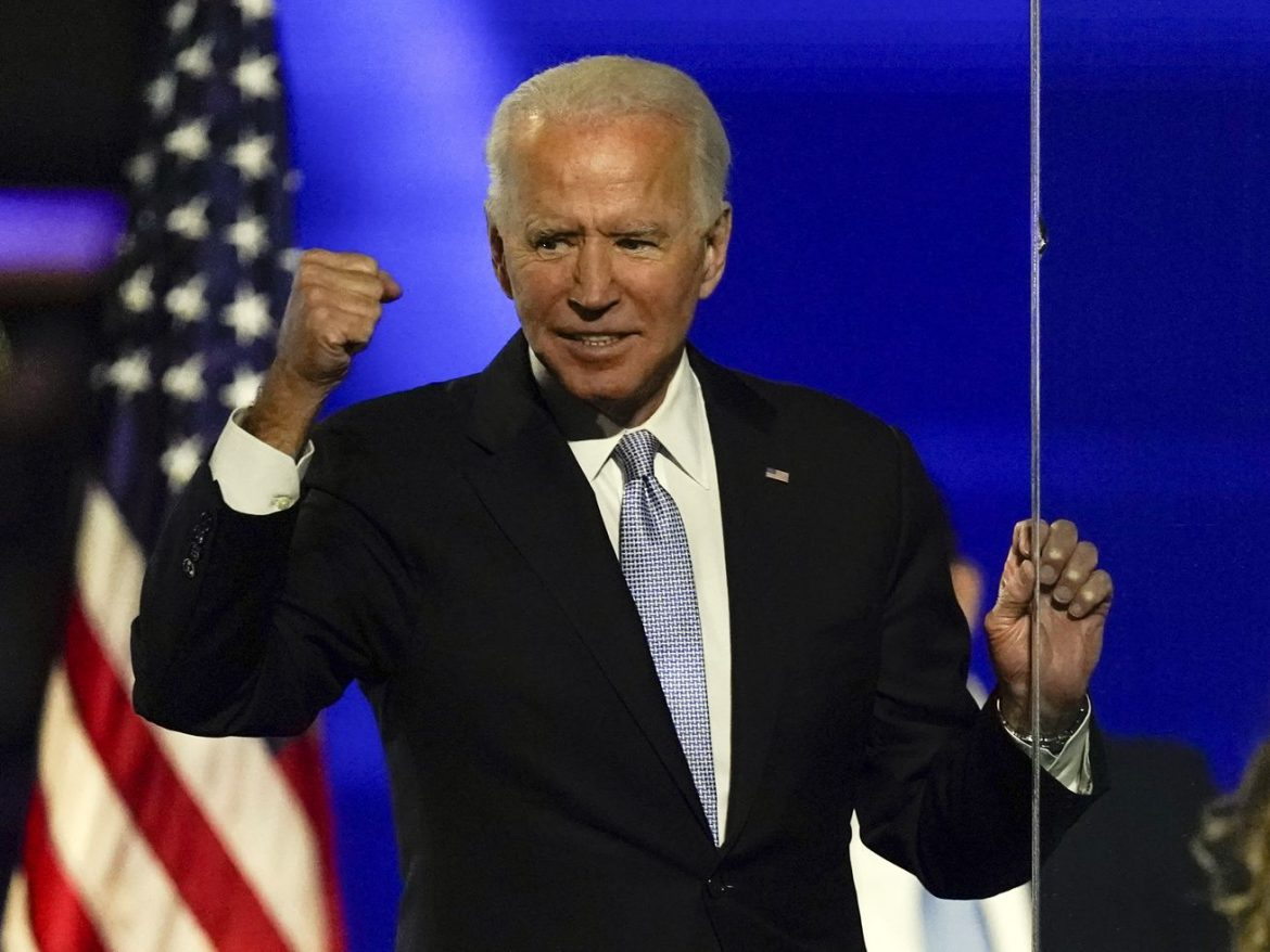 Biden faces challenging choice: back a short-term national lockdown or not
