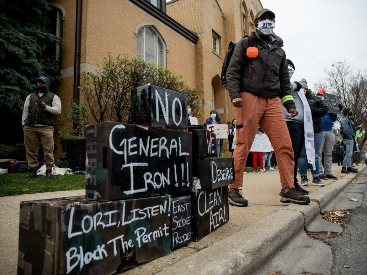 Protesters call on Lightfoot to deny permit for Southeast Side metal shredder: 'You can't beautify what's killing us'