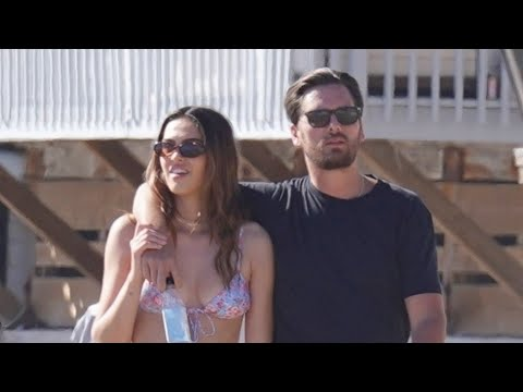 Scott Disick & Amelia Hamlin Cozy Up at the Beach